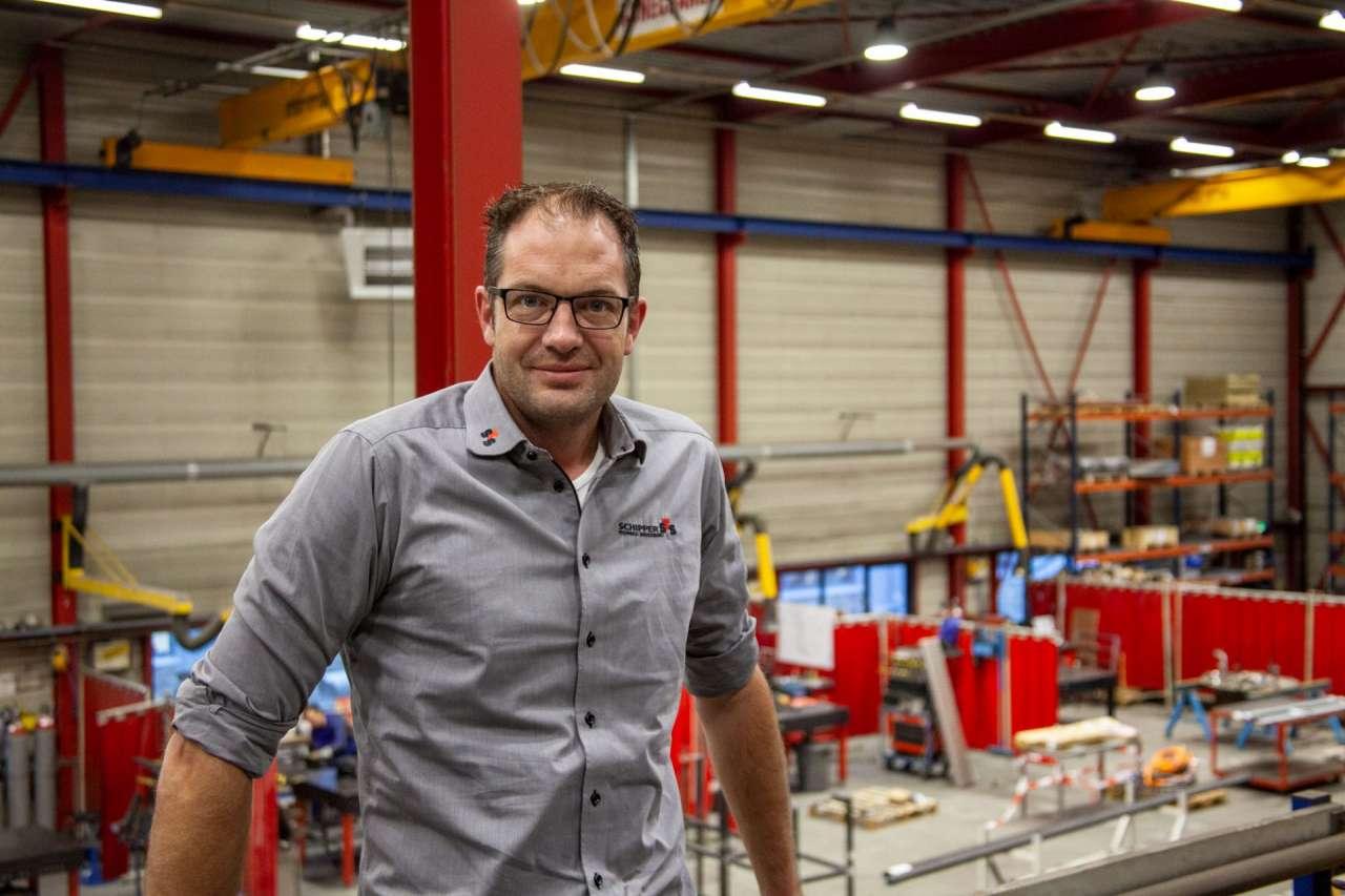 Bart in de montagewerkplaats in Almelo